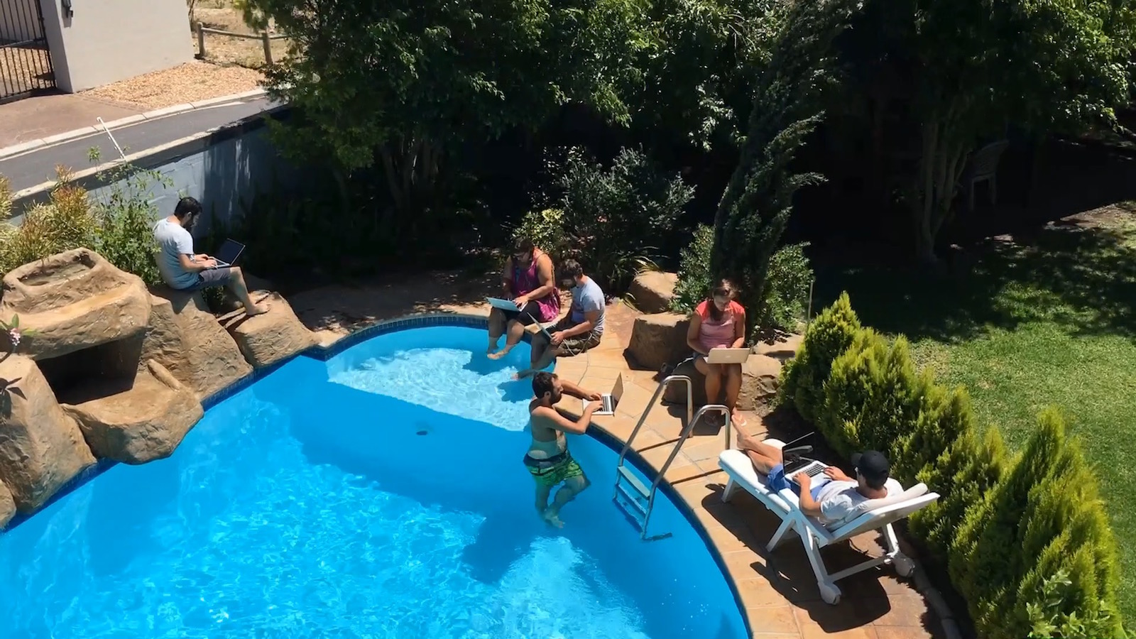 Some days it was too hot to work from inside the house. So we moved to a shady spot in the garden or working from the pool was always an option, too. So we found out.