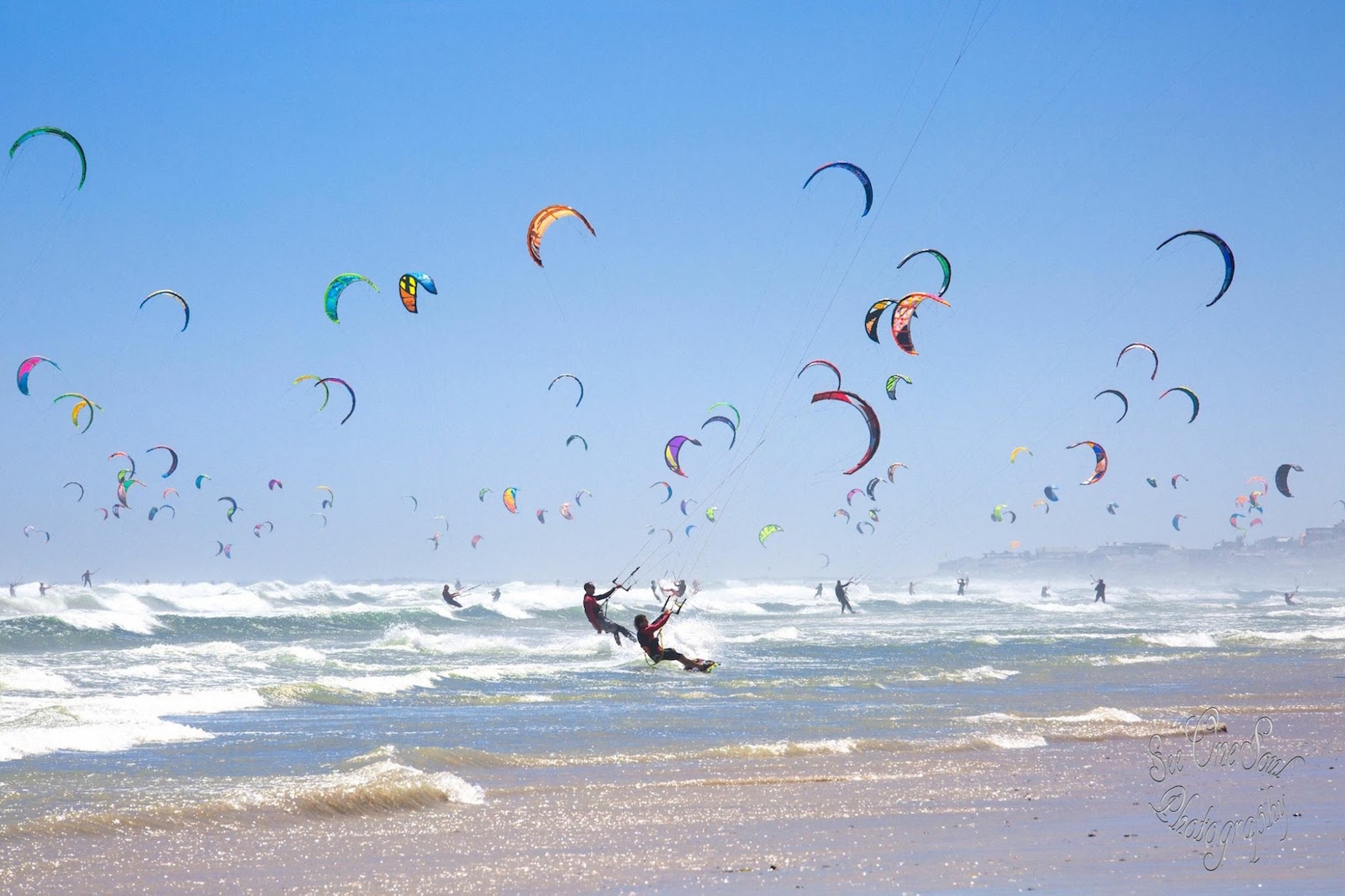 Attempting the Kitesurfing Guiness World Record in Cape Town in January 2016.